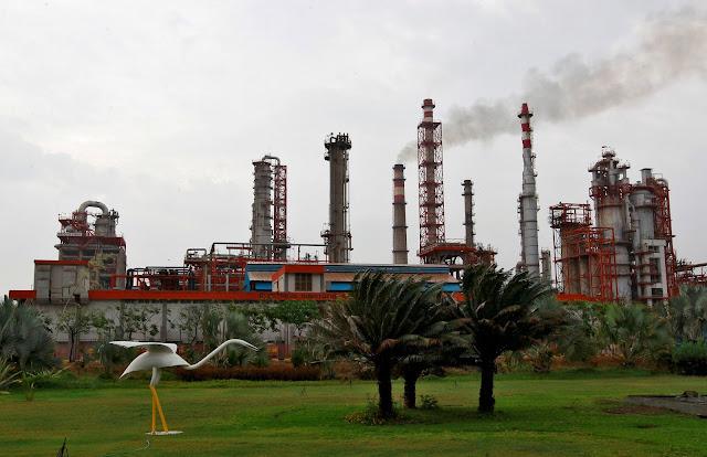 Exportaciones petroleras de Venezuela a India caen a su nivel más bajo en cinco años