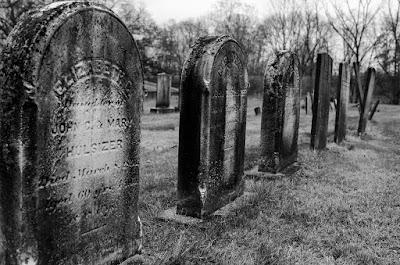 Ilustrasi gambar kuburan