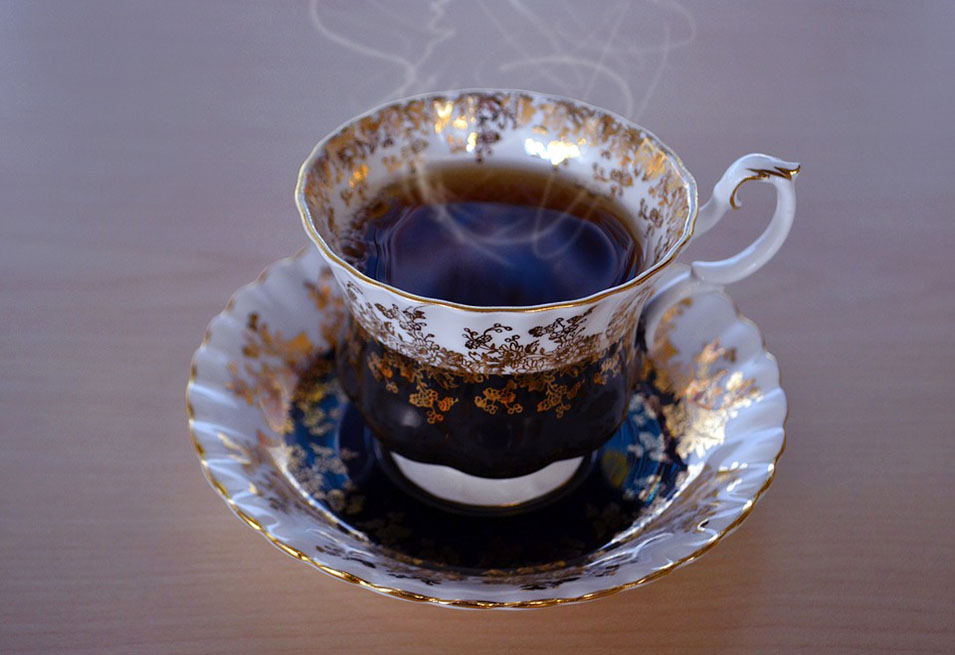15 Incredible Benefits of Drinking Black Tea