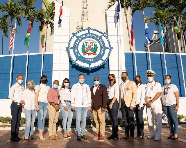 Director de la Autoridad Portuaria llama a los dominicanos a mantener defensa de los valores democráticos.