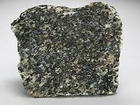 Bir gabro kayacı parçası