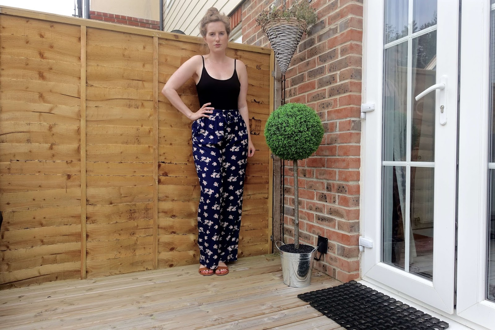 wide-legged trousers from new look