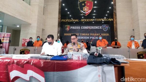 Konferensi Pers, Polri Tunjukkan 9 Pentolan KAMI Tersangka Penghasutan