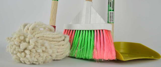 Oi Διευθυντές σχολείων ζητούν την κάλυψη όλων των μονάδων με καθαρίστριες