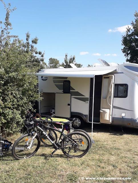 Bicis y naturaleza en Marais Poitevin | www.caravaneros.com