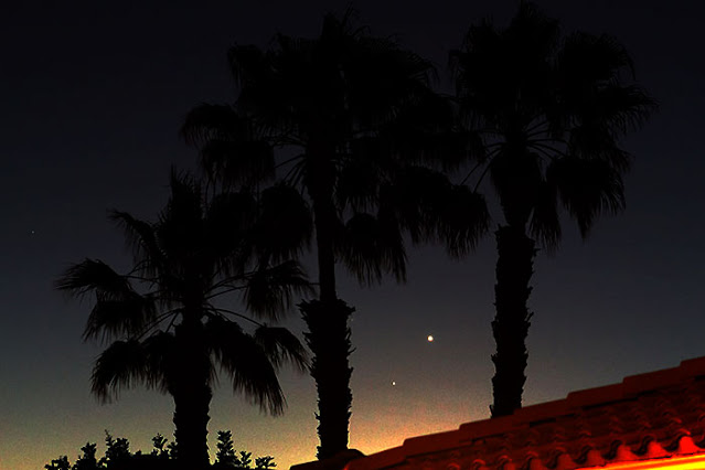 Conjunction of Venus and Mercury, DSLR, 105 mm, 1 second (Source: Palmia Observatory)