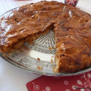 https://danslacuisinedhilary.blogspot.com/2015/01/galette-des-rois-aux-pommes-et-au.html