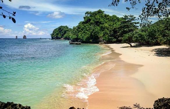 wisata baru Pantai Tiga Warna malang