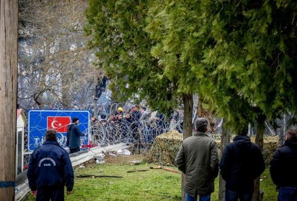 Τούρκοι στρατιωτικοί επιχείρησαν να ανοίξουν διόδους στον Έβρο