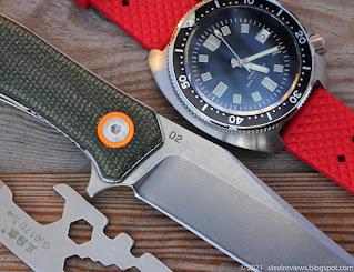 TUNAFIRE clip point flipper & SteelDive 6105 Captain Willard