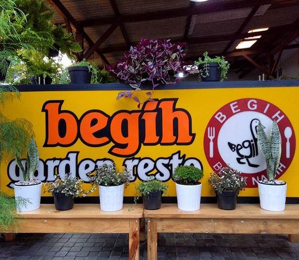 Wisata Kuliner di Bebek Begih Garden Resto Nurul Sufitri Travel Lifestyle Blog