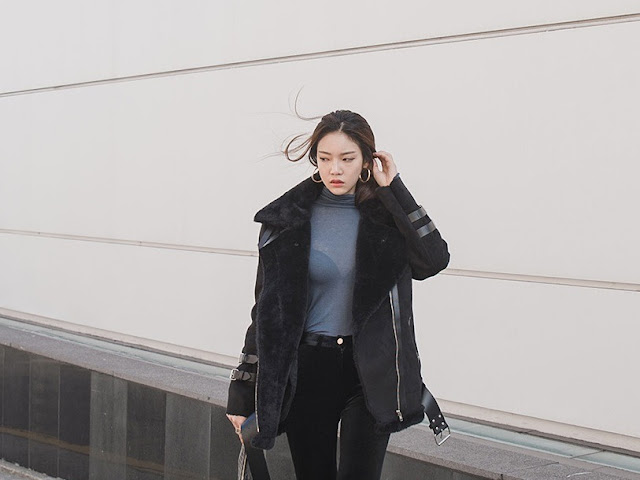 Park Jung Yoon - Black Velvet Jeans Black Boots #6