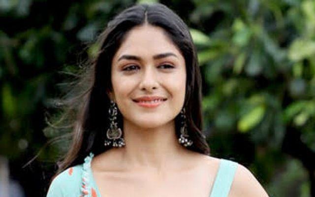 actress Mrunal Thakur