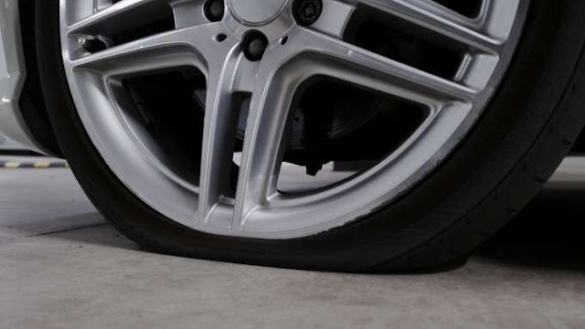 Hollywood smiles report where dentistry meets the red for Mercedes benz flat tire