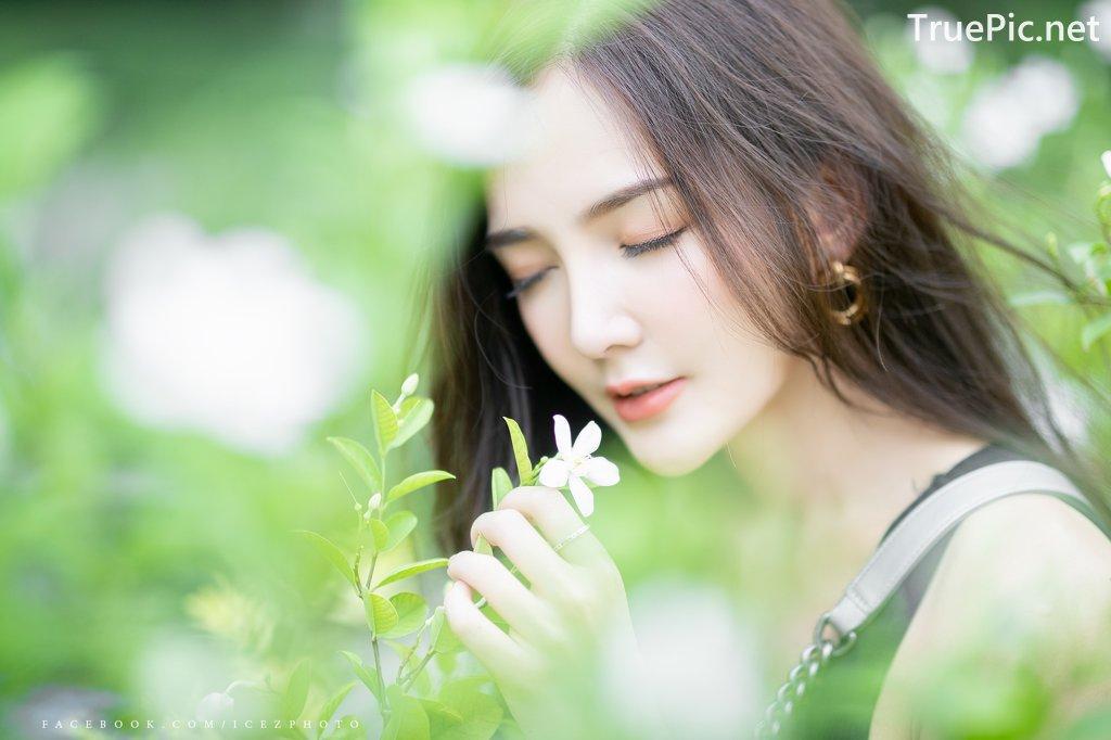 Image-Thailand-Model-Rossarin-Klinhom-Beautiful-Girl-Lost-In-The-Flower-Garden-TruePic.net- Picture-9