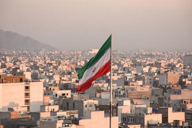 Irã liberta cristão convertido preso por 'associação a grupo evangélico'