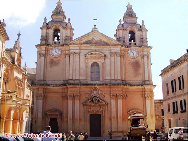 Catedral de San Pablo en el centro histórico de Mdina, Malta. Blog de viajes