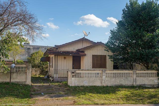 Casa de madeira na Rua Domingos Greca, Curitiba