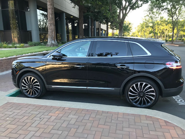 Side view of 2019 Lincoln Nautilus Black Label