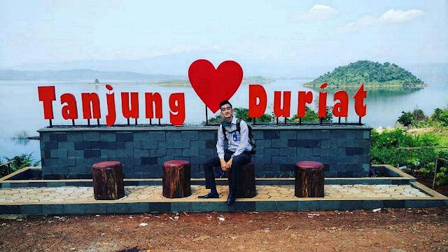 Lekatkan Kasih di Tanjung Duriat