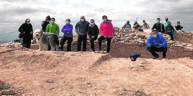 Equipo de trabajo en la excavación del yacimiento de Balumba, en Santomera.