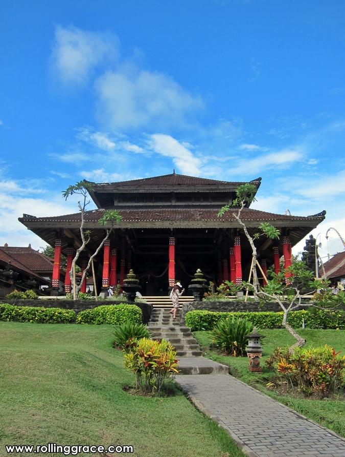 tanah lot bali temple