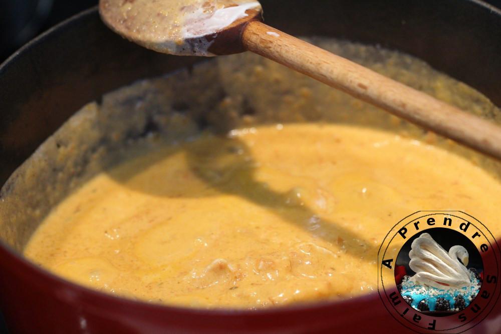 Poulet au curry et lait de coco aux noix de cajou