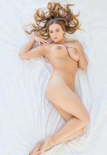 Natasha Nice in Two curvy girls compete