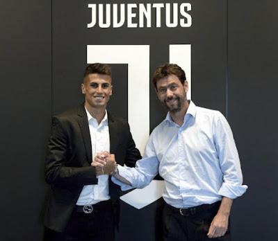 رسمياً : إنتقال كانسيلو لاعب فالنسيا إلي يوفنتوس لمدة 5 سنوات