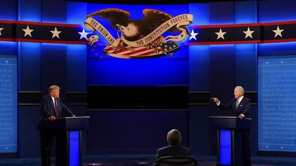 Karma' Trump Ejek Biden soal Masker Lalu Positif Corona