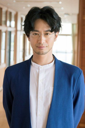 Terunosuke Takezai sebagai Takashi Takezawa