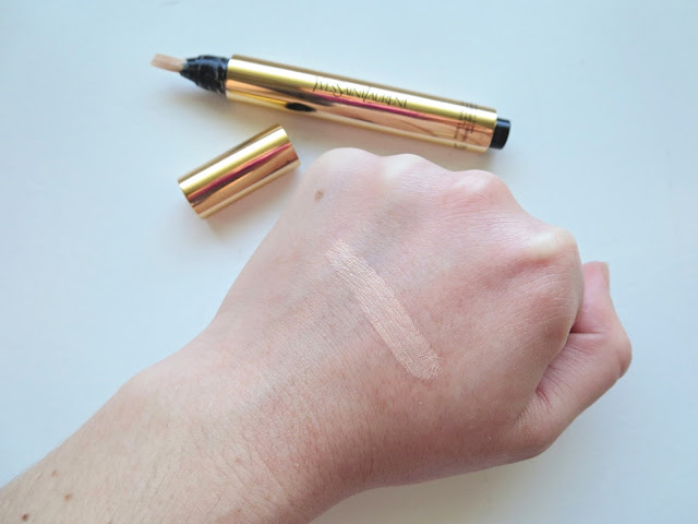 a picture of YSL Touche Eclat Radiant Touch 02 (swatch)