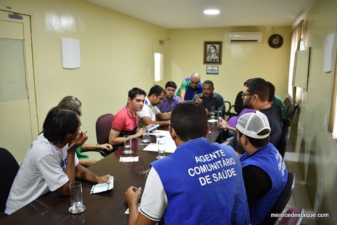Agentes de Saúde cobram cumprimento de Leis por parte da Prefeitura de Santa Cruz, durante reunião na Câmara