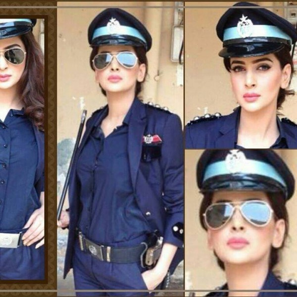 Super Sexy Scandalized Model/ Film & TV Actress Saba Qamar Complete Biography/HD Photos