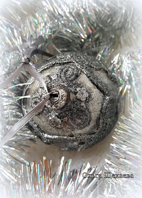 ёлочный шар, новогодний, монохром, викинги, микс-медиа