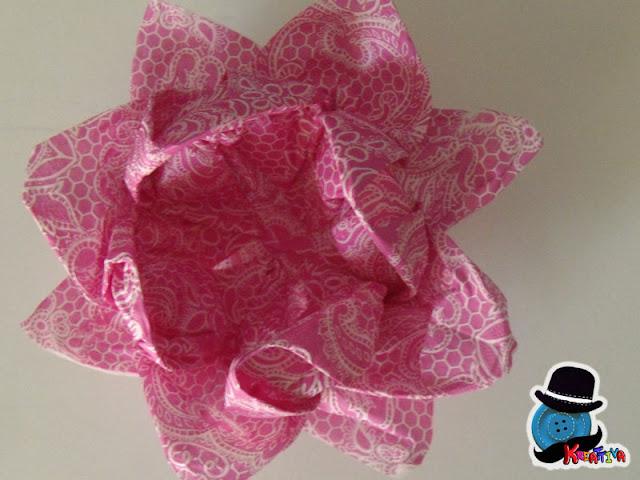 come realizzare un fiore di loto di carta origami