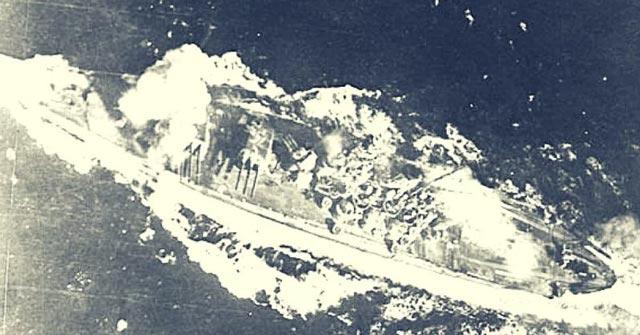 Battleship Musashi under attack worldwartwo.filminspector.com