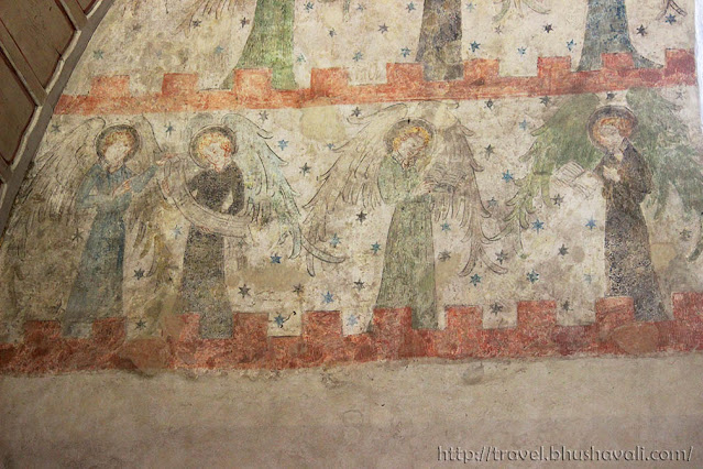 Lorsch Abbey Königshalle later frescoes of angels