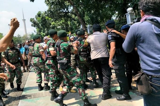Warga Papua Unjuk Rasa Di Depan Mabes TNI AD, Protes Insiden Surabaya