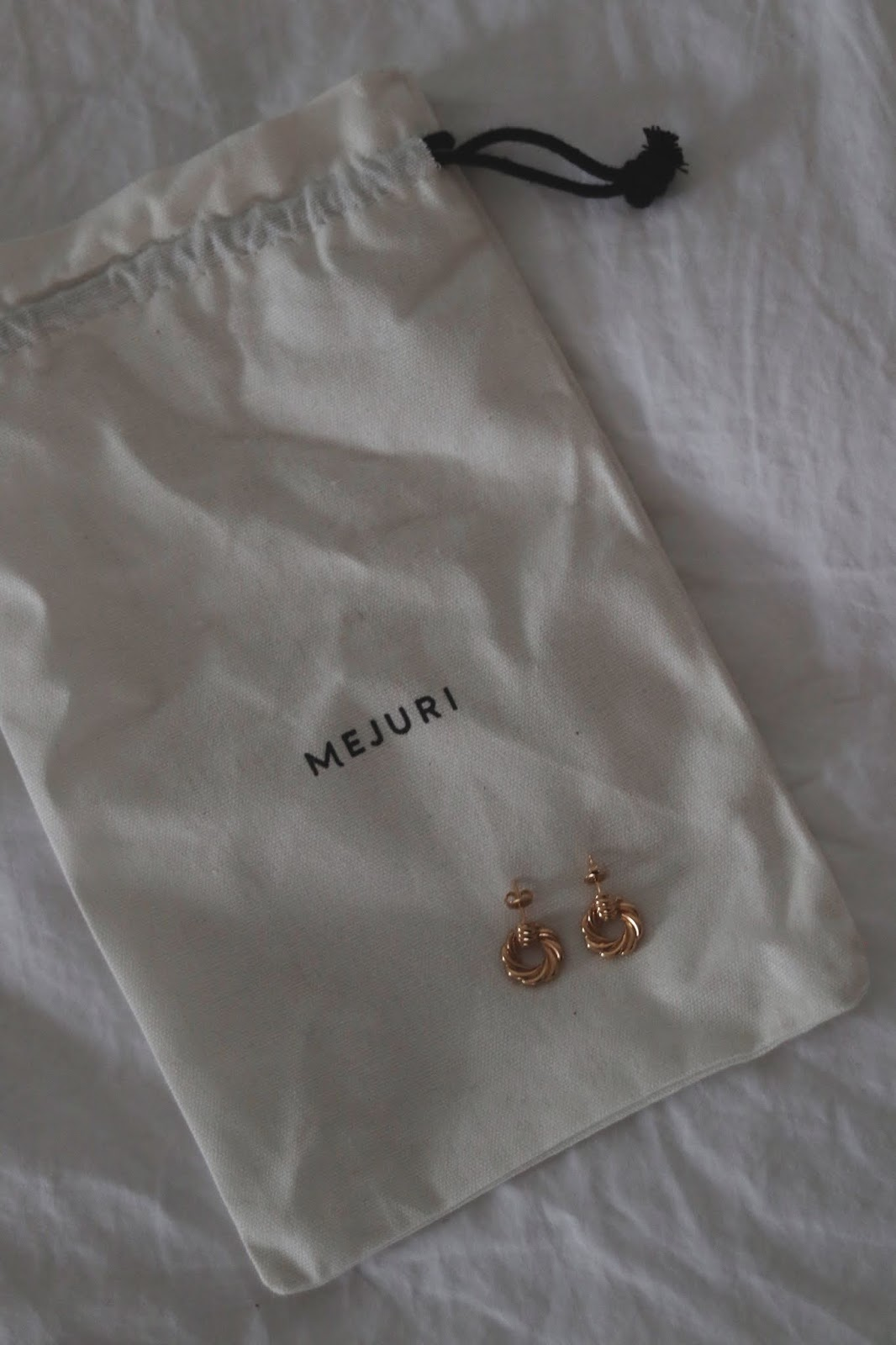 Croissant knocker earrings