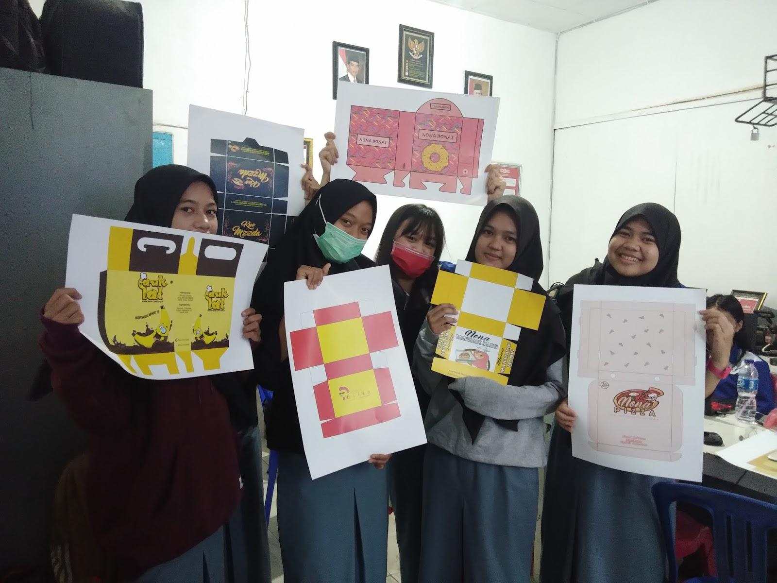Smk Ti Airlangga Samarinda Karya Desain Packaging Dan Poster Promosi Produk Kelas Xi Multimedia Mm