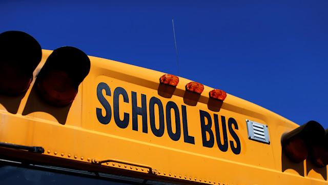 """Una adolescente discapacitada habría sufrido un """"horrible"""" abuso sexual continuado en un autobús escolar de EE.UU."""