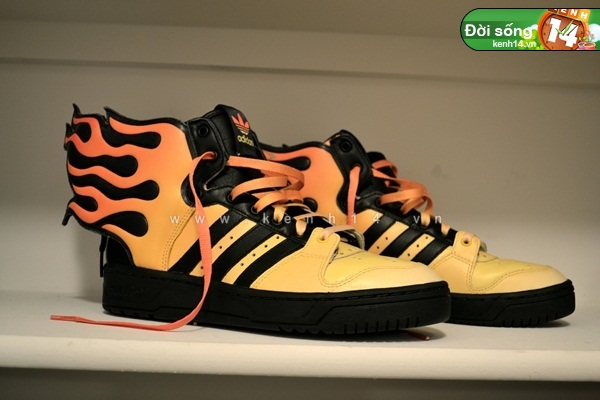 Bộ sưu tập giày sneaker tột đỉnh của anh chàng việt tại mỹ bạn nữ nào cũng m21ê