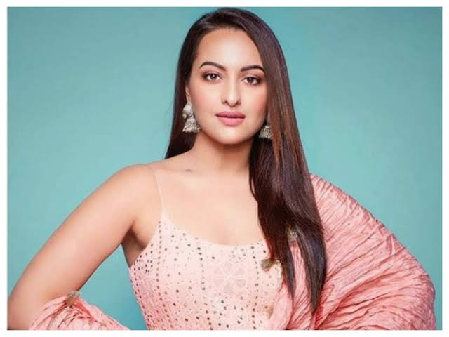 Your talent is not related to your weight: Sonakshi Sinha