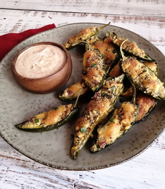 Baked Jalapeño Poppers, Jalapeños, Jalapeño poppers, Jalapeño poppers recipe, side dish, side dish recipe, recipe, food, food blogger, food photography, food flatlay, delicious Jalapeños, Jalapeño pictures, Baked Jalapeño Poppers recipe, quick recipe, braai recipe, braai, bbq, bbq recipe, tik tok, tik tok food, step by step food pictures, step by step recipe pictures