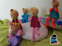 bamboline con cartone delle uova