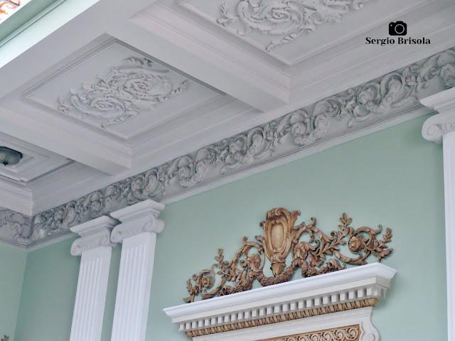 Palacete Violeta (detalhes teto e frontão - Hall)