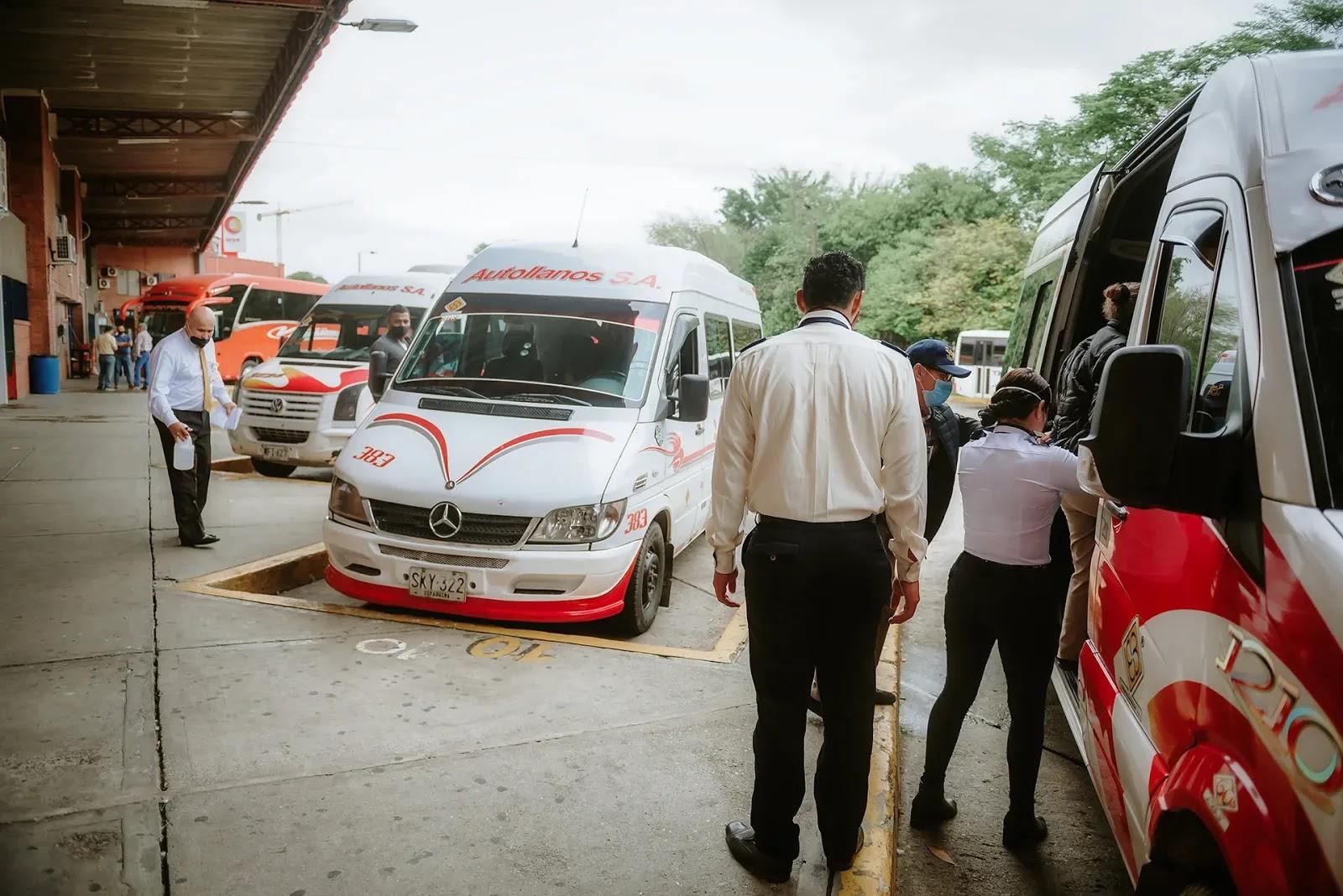 El alcalde de Villavicencio, Felipe Harman Ortiz, denunció la compleja situación que se vive al interior de la Terminal de Transportes