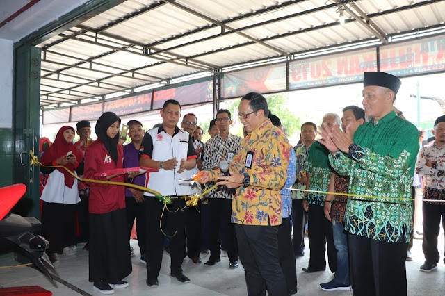DISPENDIK JATIM LAUNCHING PROGRAM IOT PERTAMA DI INDONESIA