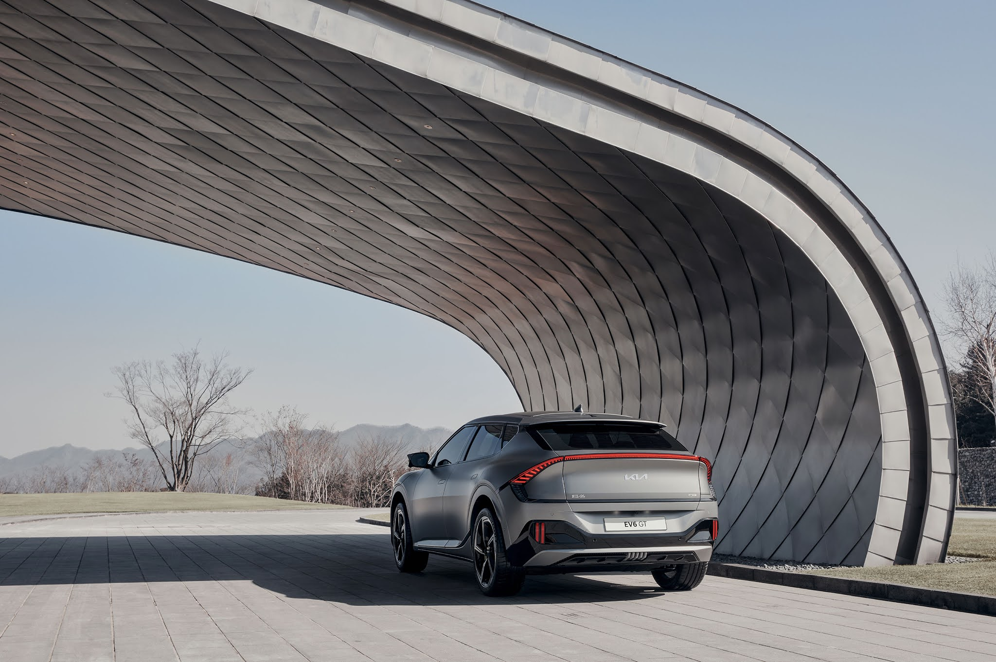 Kia EV6 redefines boundaries of electric mobility with inspiring design, exhilarating performance and innovative space